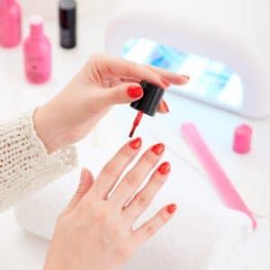 stylizacja-paznokci-w-domu
